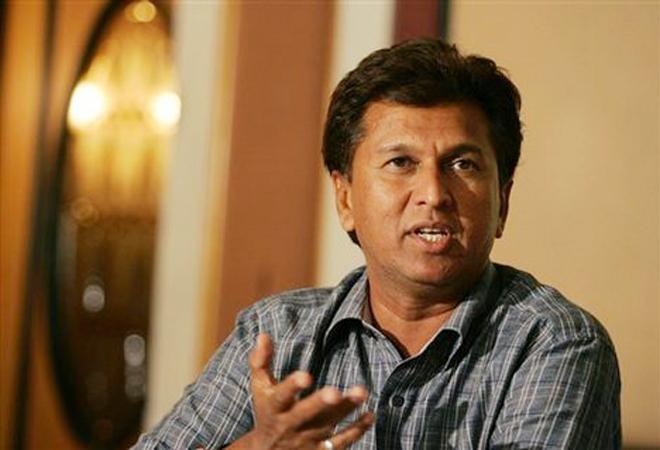 ধোনি এখনও দলের অধিনায়ক : কিরণ মোরে 2