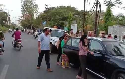 রবীন্দ্র জাদেজার স্ত্রী রিভা সোলাঙ্কিকে থাপ্পড় মারলেন জাম নগর পুলিশের এক কনস্টেবল, হইচই 2