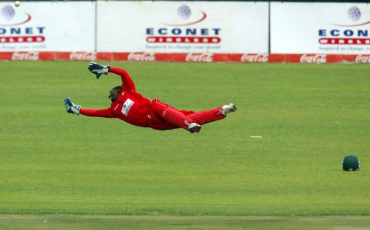 ধোনি নন বরং এই ভারতীয় উইকেটকীপার টেস্ট এবং ওয়ানডে দু ধরনের খেলাতেই নিয়েছেন উইকেট 2