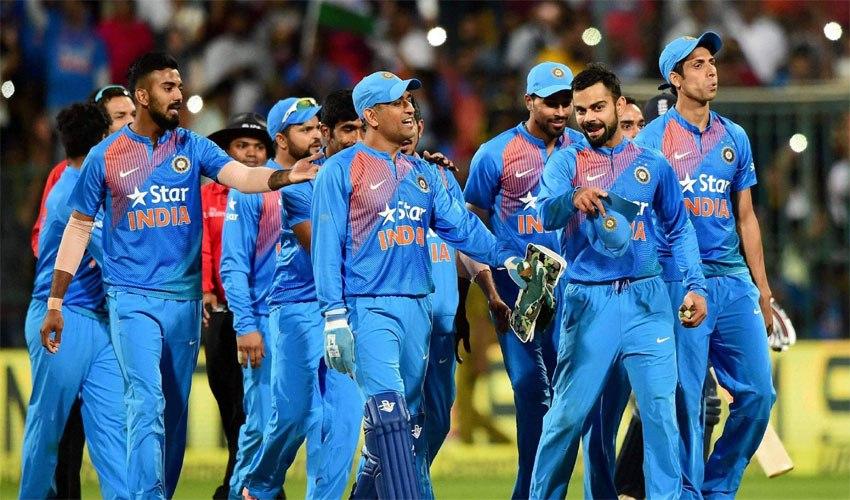 ভিডিয়ো: ভারতীয় ক্রিকেটারদের পোল খুললেন হরভজন সিং, জানালেন কে করেন নিজের স্ত্রীকে সবচেয়ে মিস 1