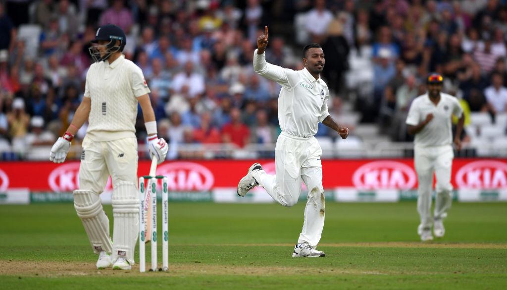 ভারত বনাম ইংল্যান্ড, ত্রিতীয় টেস্ট: ভারতীয় জোরে বোলারদের সামনে টিকতে পারলনা ইংলিশ ব্যাটসম্যানেরা, ১৬৮ রানে লীড পেল 2