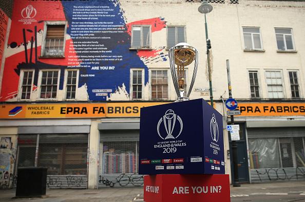 আইসিসি ২০১৯ বিশ্বকাপঃ দুবাই থেকে শুরু হচ্ছে বিশ্বকাপ ট্রফির প্রদর্শনী যাত্রা, আসছে ভারতেও 11