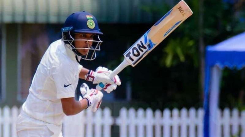 """""""মহেন্দ্র সিং ধোনি আমার আদর্শ এবং আমি তাঁর পথ অনুসরণ করবো """"......বললেন এই তরুণ ক্রিকেটার 3"""