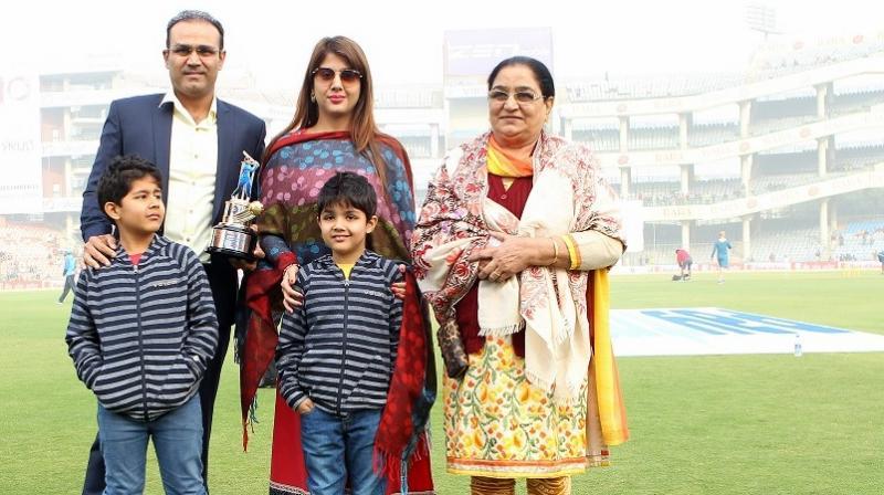 বায়োগ্রাফি: বীরেন্দ্র সেহবাগের ক্রিকেট কেরিয়ার আর তার পরিবারের সম্পূর্ণ তথ্য