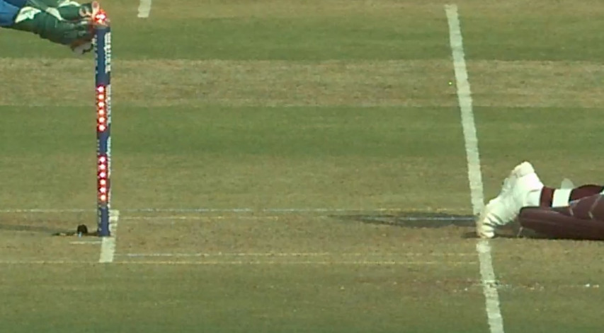 ভারত বনাম ওয়েস্টইন্ডিজ: মহেন্দ্র সিং ধোনি হেটমেয়ারকে স্ট্যাম্পিং করে ফের দেখালেন এখনও পর্যন্ত হয়নি তার মত দ্বিতীয় কোনও উইকেটকিপার 1