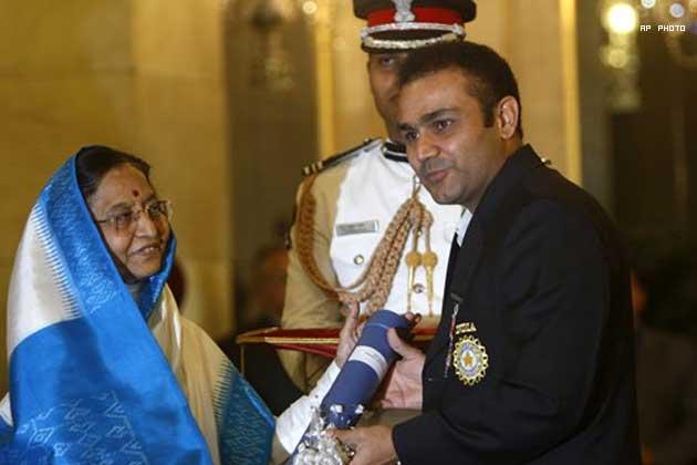 বায়োগ্রাফি: বীরেন্দ্র সেহবাগের ক্রিকেট কেরিয়ার আর তার পরিবারের সম্পূর্ণ তথ্য 6