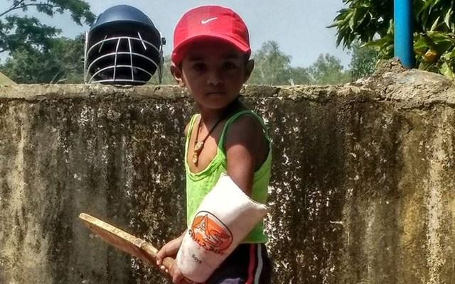 ৪ বছরের ভারতীয় বাচ্চার ক্রিকেট খেলার ভিডিয়ো ভাইরাল, ক্রিকেট স্কিল দেখে ড্যানিয়েল ভায়ট আর টিনো বেস্টও হলেন হতচকিত