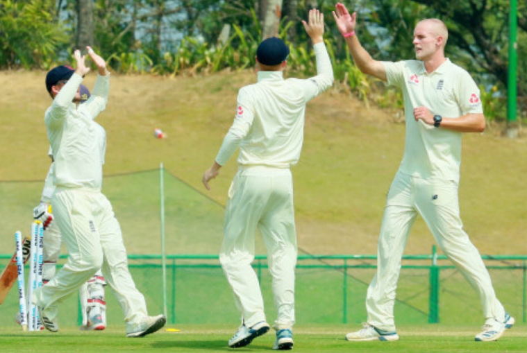 ইন্ডিয়া এ বনাম ইংল্যান্ড লায়ান্স, বেসরকারি টেস্ট: ইন্ডিয়া এ ইংল্যাণ্ড লায়ন্সকে ইনিংস এবং ৬৮ রানে হারাল 3