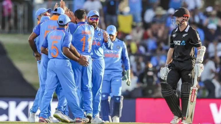 নিজের দেশের নয়, বরং এই ভারতীয় বোলার ই এবার বিশ্বকাপের সেরা বোলারের শিরোপা পাবে বলে মনে করেন প্রাক্তন পাক তারকা মিসবাহ উল হক 4