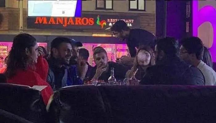 ভিডিয়ো: ম্যাচের আগে সানিয়া মির্জার সঙ্গে পাক ক্রিকেটাররা হুক্কাবারে, সমালোনার জবাব দিয়ে একি বললেন সানিয়া