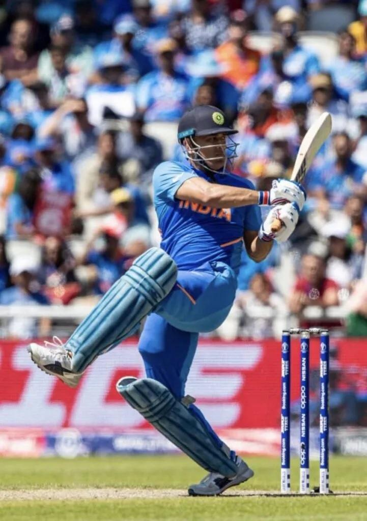 """বিরাটরা খুব """"ভাগ্যবান"""" যে তাদের দলে ধোনি রয়েছে, সম্প্রতি এমনটাই মন্তব্য করলেন এই প্রাক্তন ভারতীয় ক্রিকেটার ! 3"""