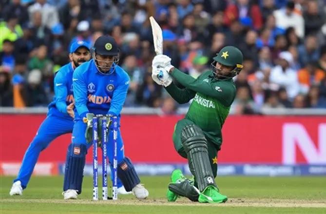 INDvsPAK: ভারত পাকিস্তানকে ডাকওয়র্থ লুইস নিয়মে ৯০ রানে হারাল, টুইটারে ছাইলেন এই খেলোয়ায়ড় 3