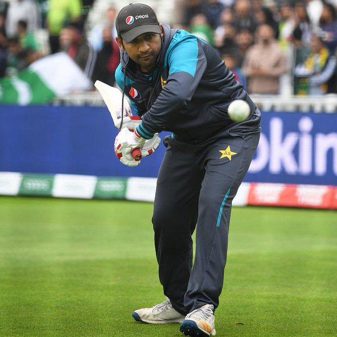 পাকিস্তান টেস্ট ক্রিকেট দলের অধিনায়কত্বের দায়িত্ব ছাড়তে পারেন সরফরাজ আহমেদ ! 3