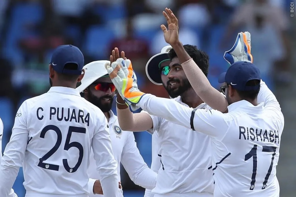 WIvsIND: ভারতের ৩১৮ রানে জয়ের পর বিরাট কোহলি দল নির্বাচন নিয়ে সমালোচকদের দিলেন জবাব 1