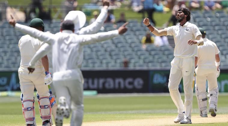 WI vs IND: দ্বিতীয় টেস্টে এক উইকেট নেওয়ার সঙ্গেই কপিলদেবের এই বিশ্বরেকর্ড ভেঙে দেবেন ঈশান্ত শর্মা 4