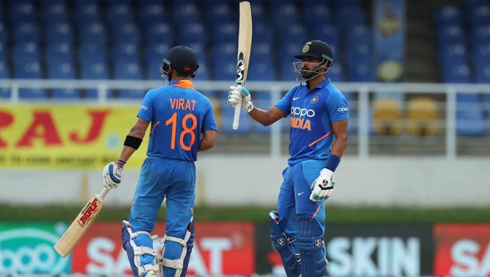 """ভারতীয় ক্রিকেট দলের """"চার"""" নম্বরে এই খেলোয়াড়কে দেখতে চান সৌরভ গঙ্গোপাধ্যায় ! 3"""