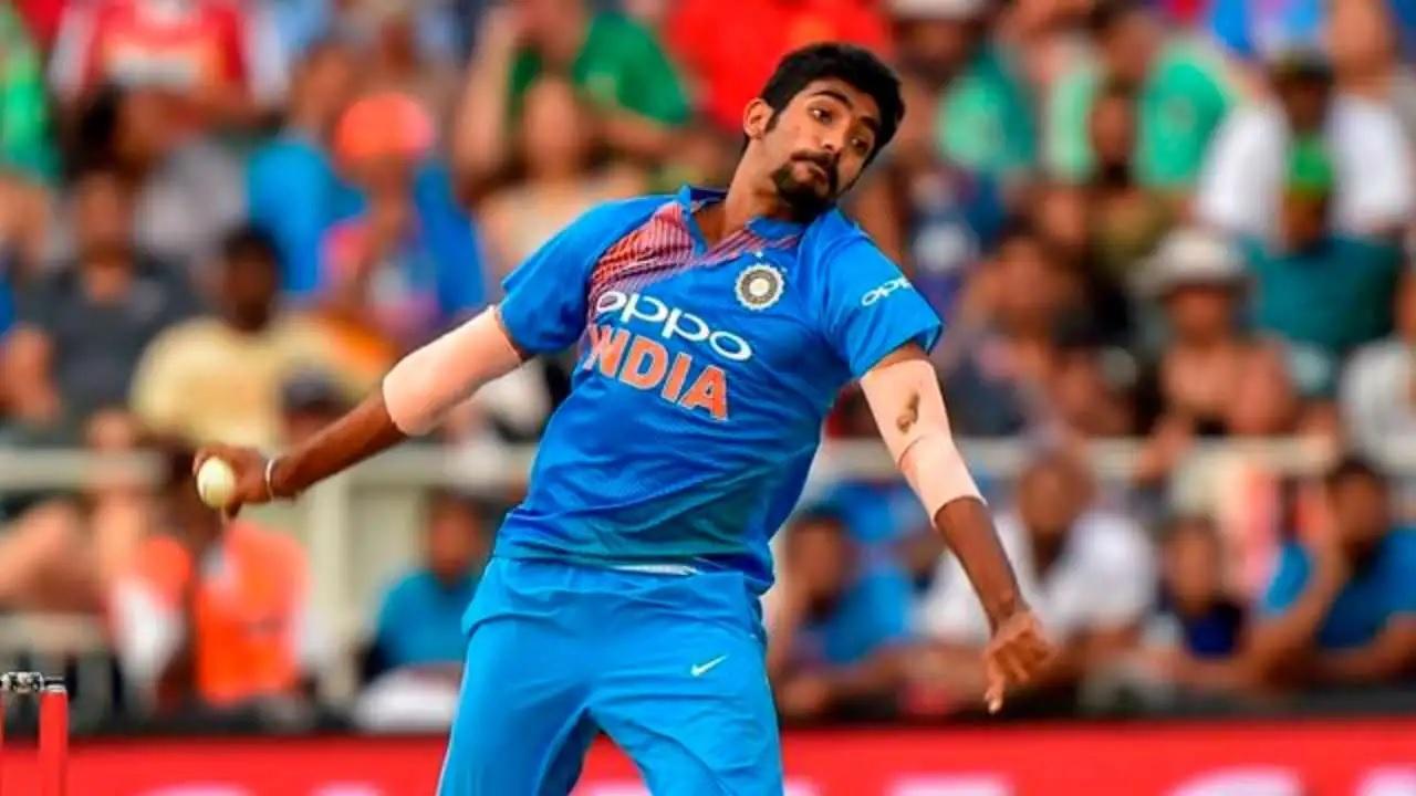 """""""দক্ষিণ আফ্রিকার বিরুদ্ধে টেস্ট সিরিজে বাইরে বসুক বুমরাহ"""" এই তারকা দিলেন পরামর্শ 1"""