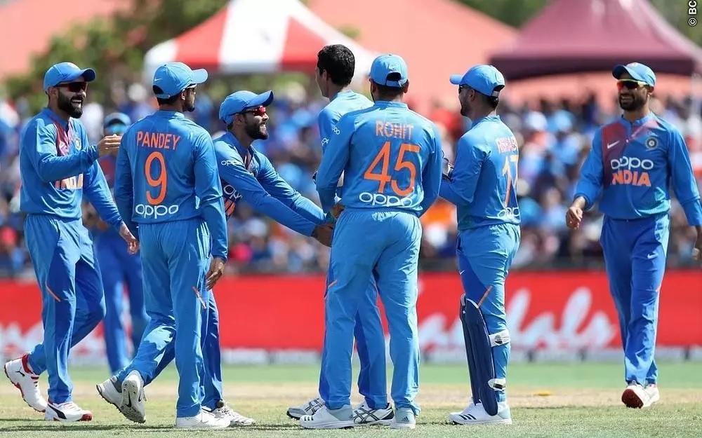 বাংলাদেশের বিরুদ্ধে টেস্ট আর টি-২০ দল দেখে ক্ষুব্ধ সমর্থকরা, এই খেলোয়াড়কে দুই দলে ফেরানোর দাবী