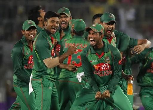সাকিবের সঙ্গে ম্যাচ ফিক্সিংয়ের জন্য যোগাযোগ করা বুকির কারণে আত্মহত্যা করেছেন এই ভারতীয় ক্রিকেটার 4