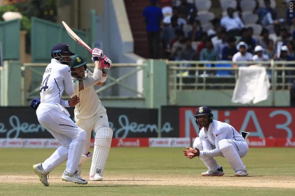 INDvsSA: তৃতীয় দিনের প্রথম সেশন পর্যন্ত দক্ষিণ আফ্রিকার করল ৪ উইকেট হারিয়ে ১৫৩ রান 3