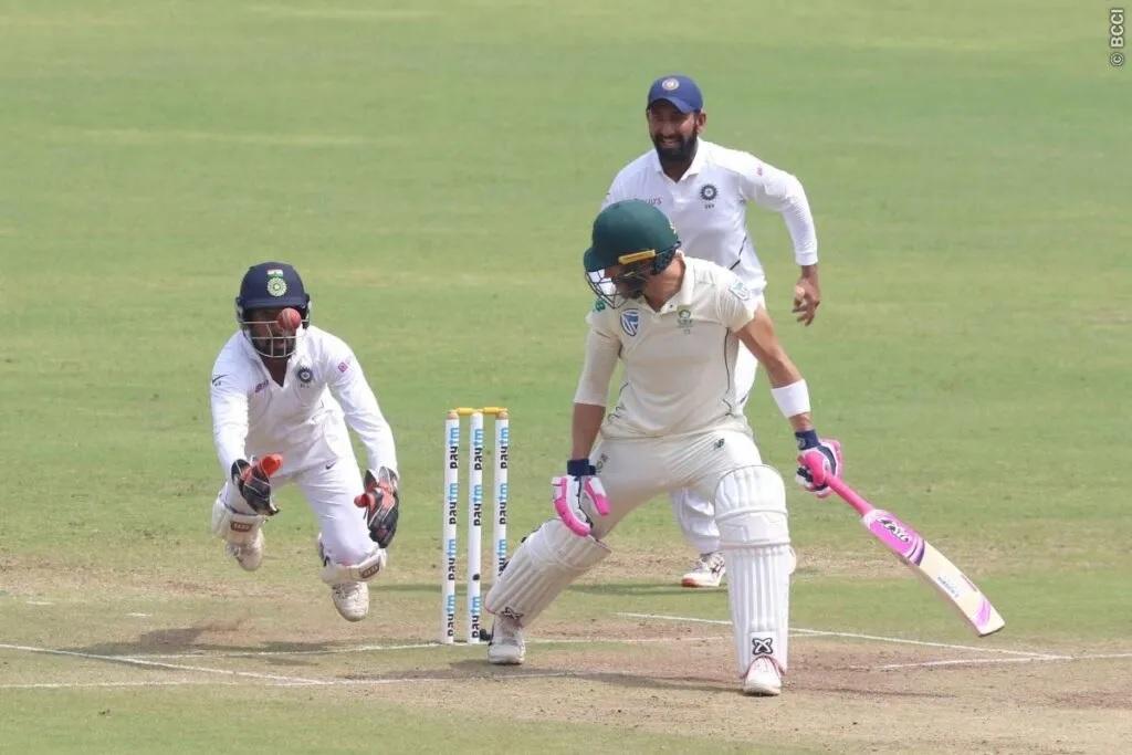 INDvsSA: দ্বিতীয় টেস্টে জয়ের দোড়গোড়ায় ভারতীয় দল, লাঞ্চ পর্যন্ত দক্ষিণ আফ্রিকার ৭৪/৪ রান 3