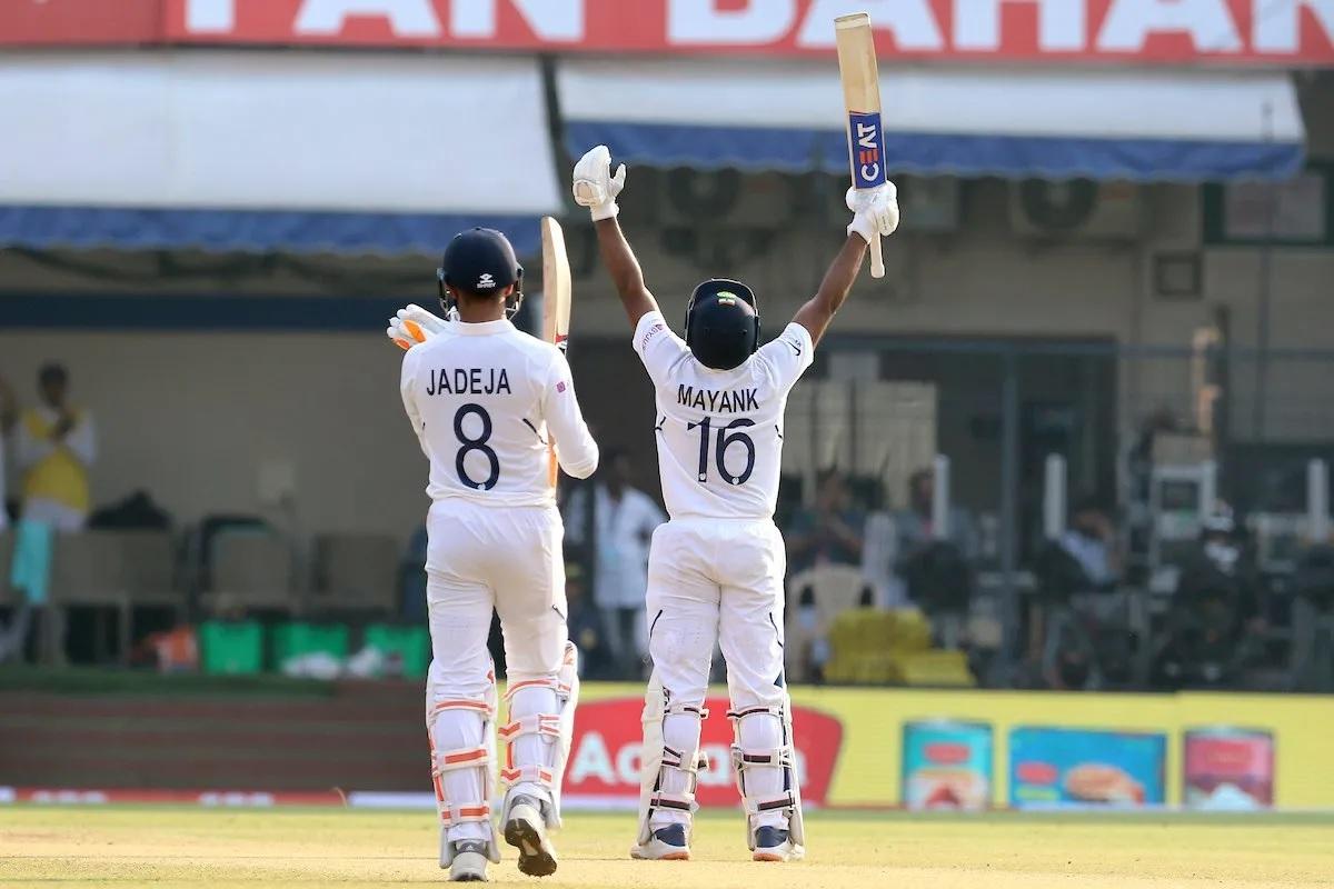 ময়ঙ্ক আগরওয়াল টেস্ট ক্রিকেটে করলেন দ্বিতীয় ডবল সেঞ্চুরি, শুভেচ্ছার লাগল লাইন 4