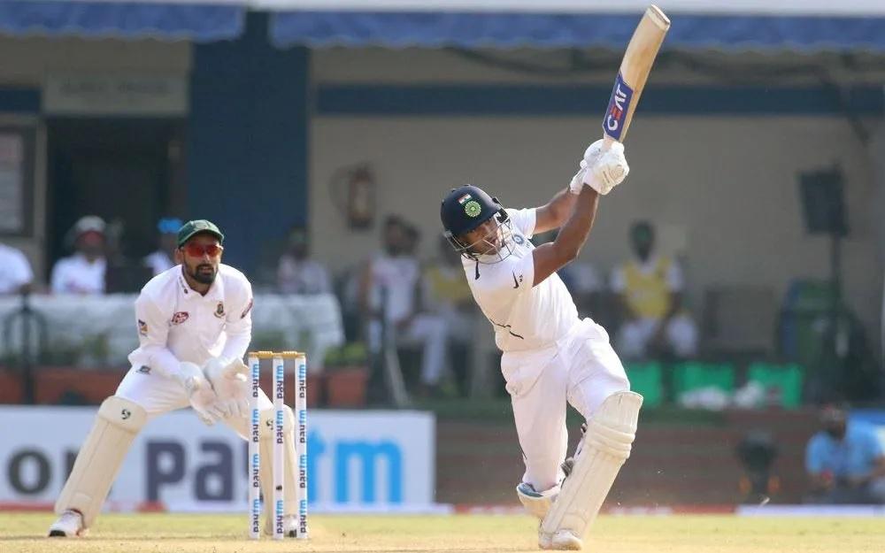 ময়ঙ্ক আগরওয়াল টেস্ট ক্রিকেটে করলেন দ্বিতীয় ডবল সেঞ্চুরি, শুভেচ্ছার লাগল লাইন 3