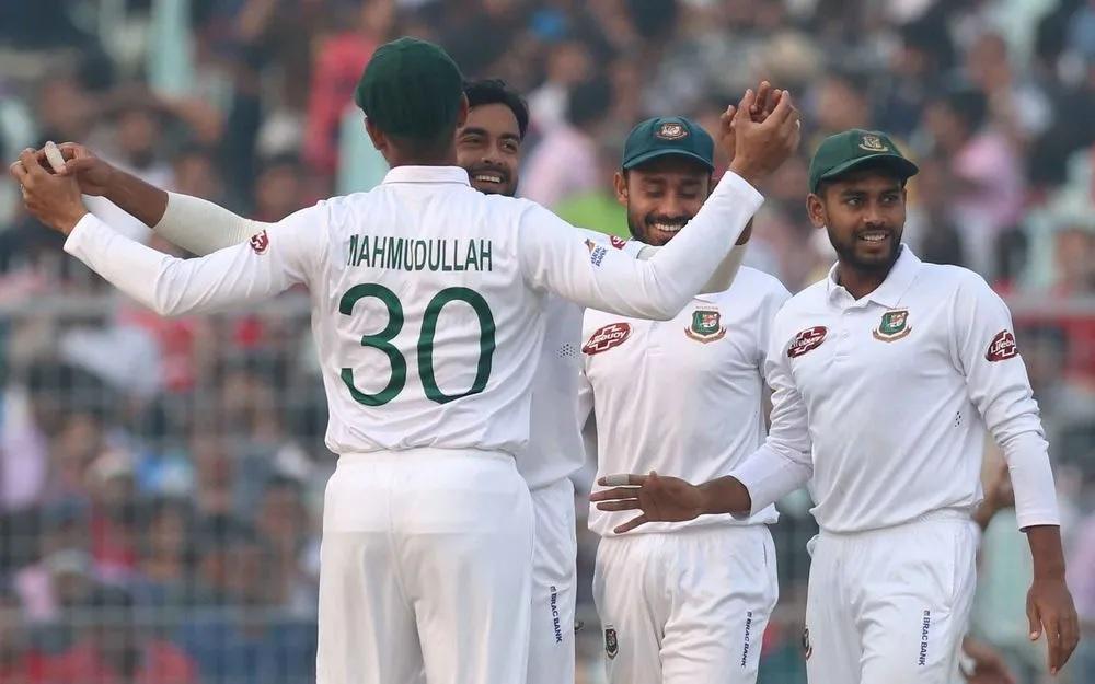 INDvsBAN: ভারত ৩৪৭ রানের স্কোরে ঘোষণা করল ইনিংস সমাপ্তি, বাংলাদেশে দ্বিতীয় ইনিংসে খেল ধাক্কা 3
