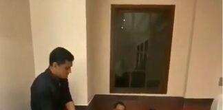 ভিডিয়ো: বাথরুমের মেঝেতে বসে মহেন্দ্র সিং ধোনির সঙ্গীদের দেখা গেলো গান গাইতে, স্বয়ং মাহী করলেন জাজ