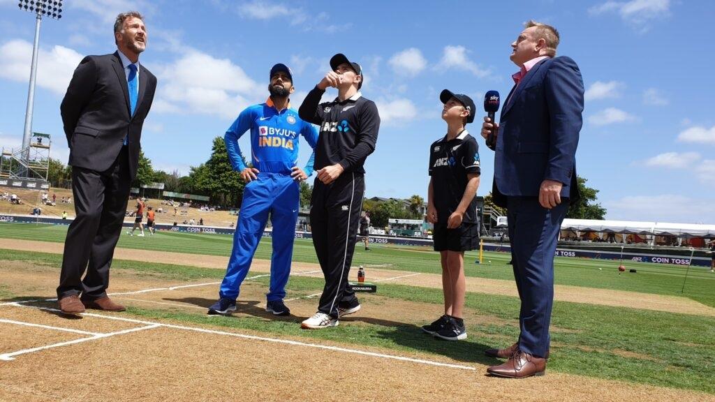 টস হেরে প্রথমে ব্যাটিং করে নিউজিল্যান্ড ভারতকে দিল ২৭৪ রানের লক্ষ্য 1