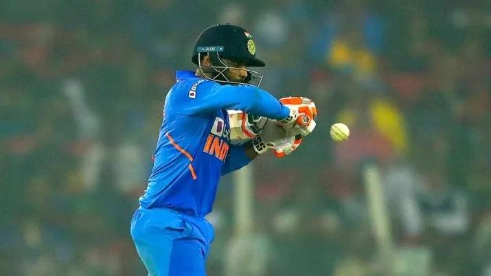এই ক্রিকেটার হাফসেঞ্চুরি করলেই হারে ভারত, গত ১২টি হাফসেঞ্চুরির মধ্যে ১১টিতে হয়েছে ভারতের হার 2