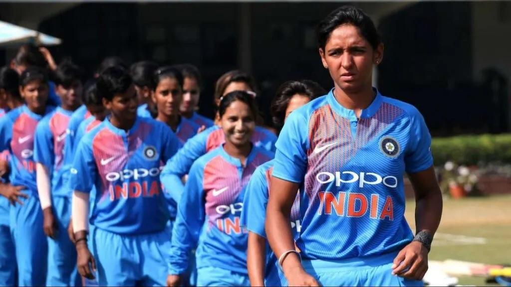 টিম ইন্ডিয়াকে অলস বলে এই প্রাক্তন ভারতীয় ক্রিকেটার নেতৃত্ব ছাড়ার দাবী জানালেন ভারত অধিনায়কের কাছে 3