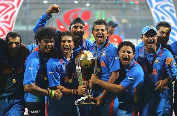 "TOP 5 : পাঁচ ভারতীয় ক্রিকেটার যারা ভারতীয় ক্রিকেটে ""ধোনি"" র আগমনের পর দেশের হয়ে অভিষেক করেছিলেন, এবং ধোনির আগেই নিয়েছেন অবসর 1"