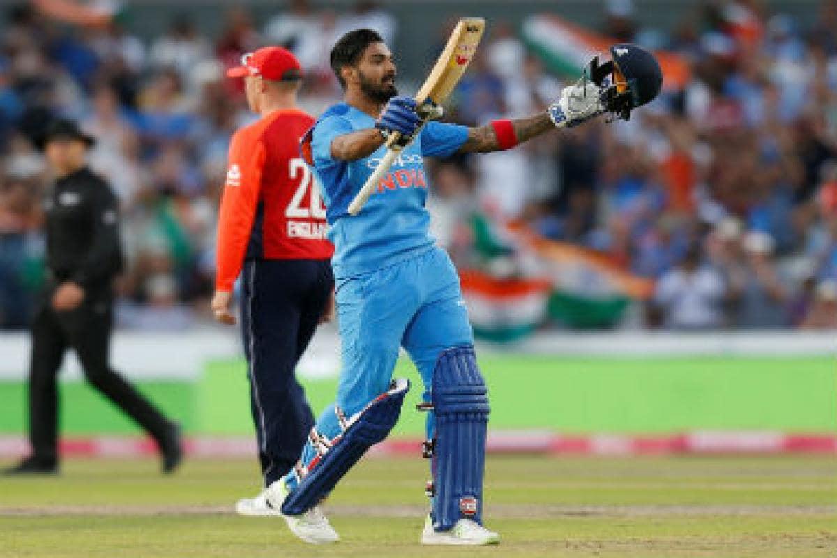 TOP 5 : সেরা পাঁচ ক্রিকেটার যারা অভিষেক ওয়ানডেতে করেছিলেন শতরান 1
