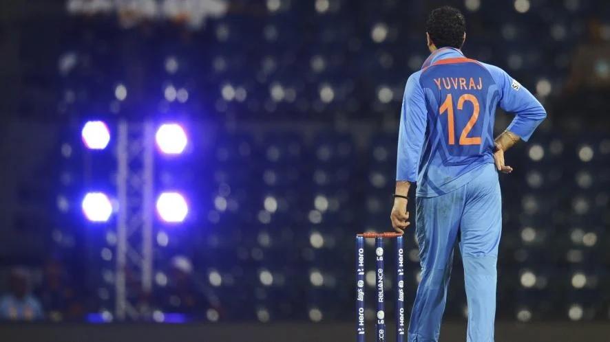 একমাত্র ভারতীয় ক্রিকেটার যিনি বিশ্বকাপের একটি ম্যাচে করেছেন হাফসেঞ্চুরি আর নিয়েছেন ৫ উইকেট 2