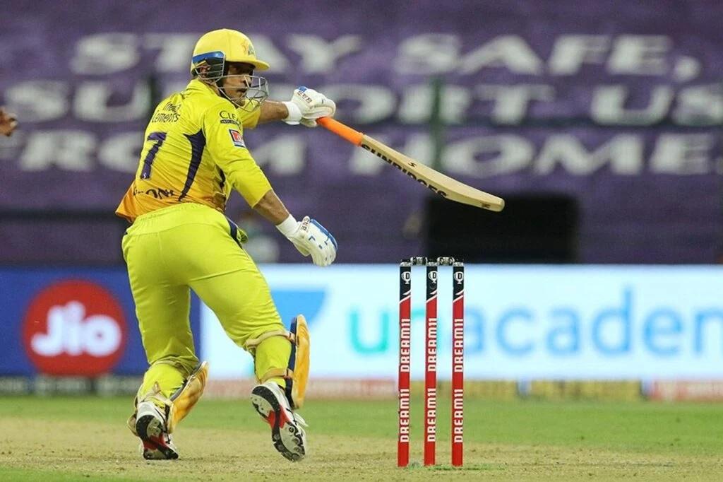 IPL2020: চেন্নাই সুপার কিংসে হারল তাও মহেন্দ্র সিং ধোনি গড়লেন ইতিহাস 3
