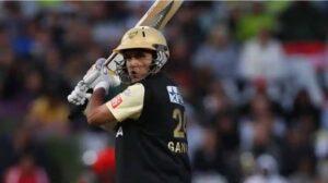TOP 9 : নয় ভারতীয় ক্রিকেটার যারা আইপিএলে নেতৃত্ব দিয়েছে দুটো দলকে 8