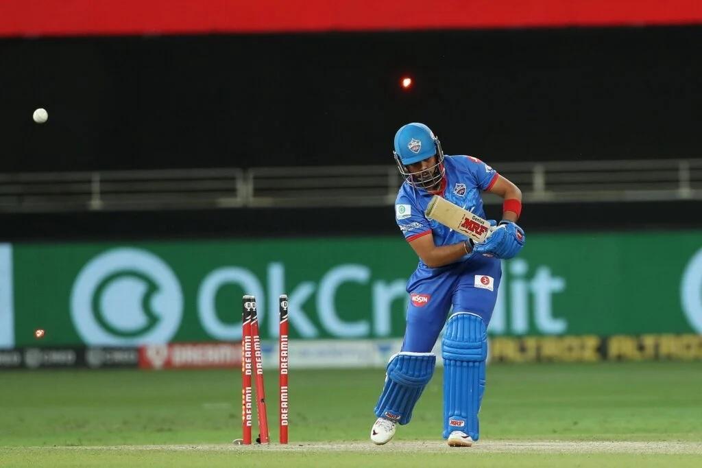 IPL2020: মুম্বাই ইন্ডিয়ান্সের বিরুদ্ধে প্লে অফ ম্যাচে শিখর ধবন তুলতে চান এই ব্যাপারে ফায়দা 4