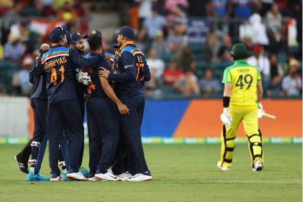 INDAUS: শেষ ম্যাচে ১৩ রানে জিতল ভারত, কিন্তু সিরিজ অস্ট্রেলিয়ার