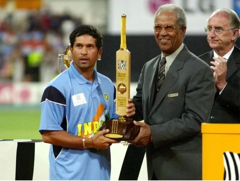 বিশ্বের একমাত্র ক্রিকেটার যিনি ২০বার জিতেছেন 'ম্যান অফ দ্য সিরিজ' পুরস্কার 3