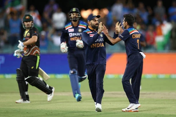INDvsAUS: বিতর্কের মধ্যে প্রথম টি-২০ ম্যাচে ভারত পেল ১১ রানে জয় 4