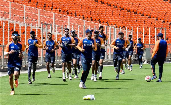 দেখুন : ইংল্যান্ডের বিরুদ্ধে এই জার্সি পড়ে নামবে ভারতীয় দল, রয়েছে অভিনবত্ব 6