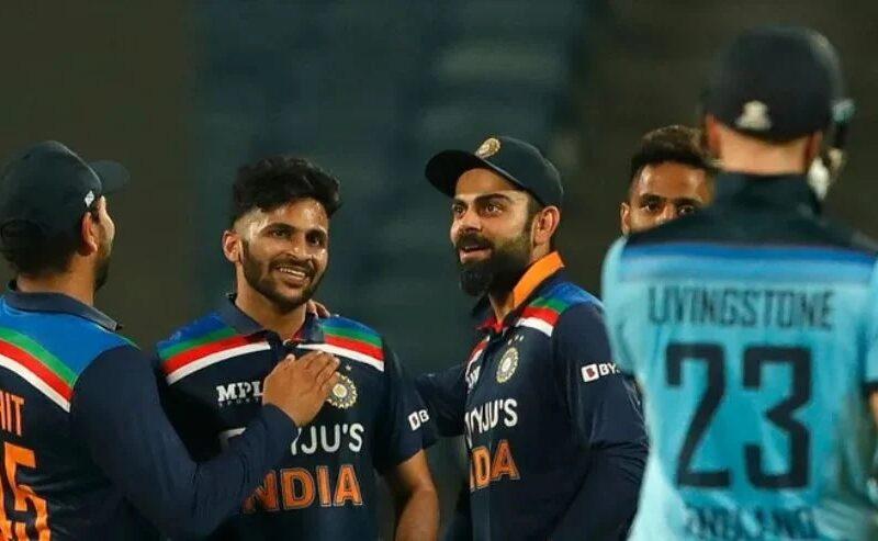 INDvsENG: ভারত নির্ণায়ক ম্যাচে ইংল্যান্ডকে হারাল ৭ রানে, রোহিত কোহলির এই বোঝাপড়ায় জিতল ভারত 8