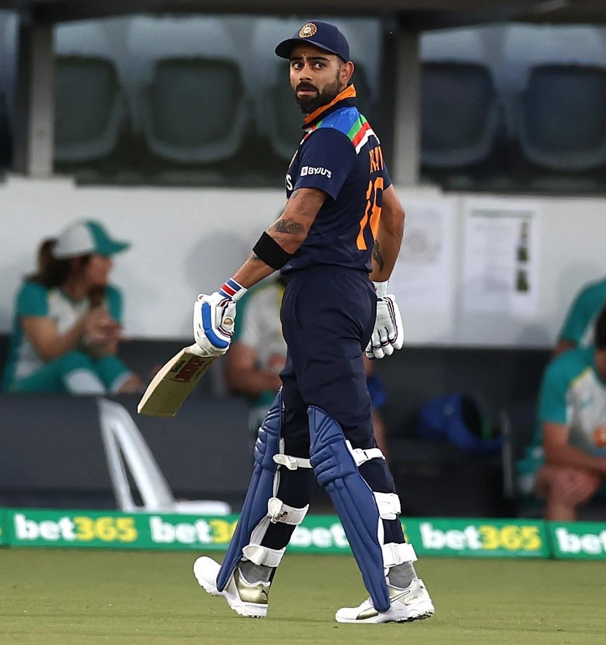 INDvsENG: প্রথম টি-২০তে ভারত ইংল্যান্ডকে দিল ১২৫ রানের লক্ষ্য, বিরাট কোহলি হলেন ট্রোল 1