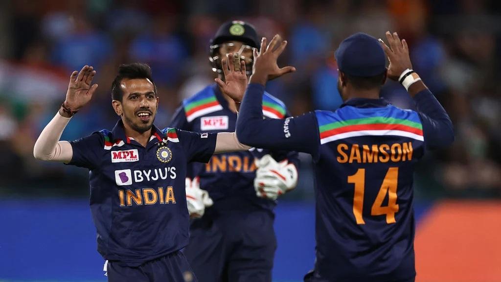 দেখুন : ইংল্যান্ডের বিরুদ্ধে এই জার্সি পড়ে নামবে ভারতীয় দল, রয়েছে অভিনবত্ব 2