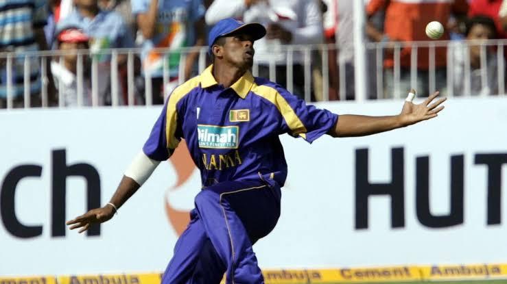 দুর্নীতিতে অভিযুক্ত হওয়ায় ক্রিকেট থেকে নিষিদ্ধ হলেন শ্রীলঙ্কার এই আন্তর্জাতিক তারকা ক্রিকেটার 3