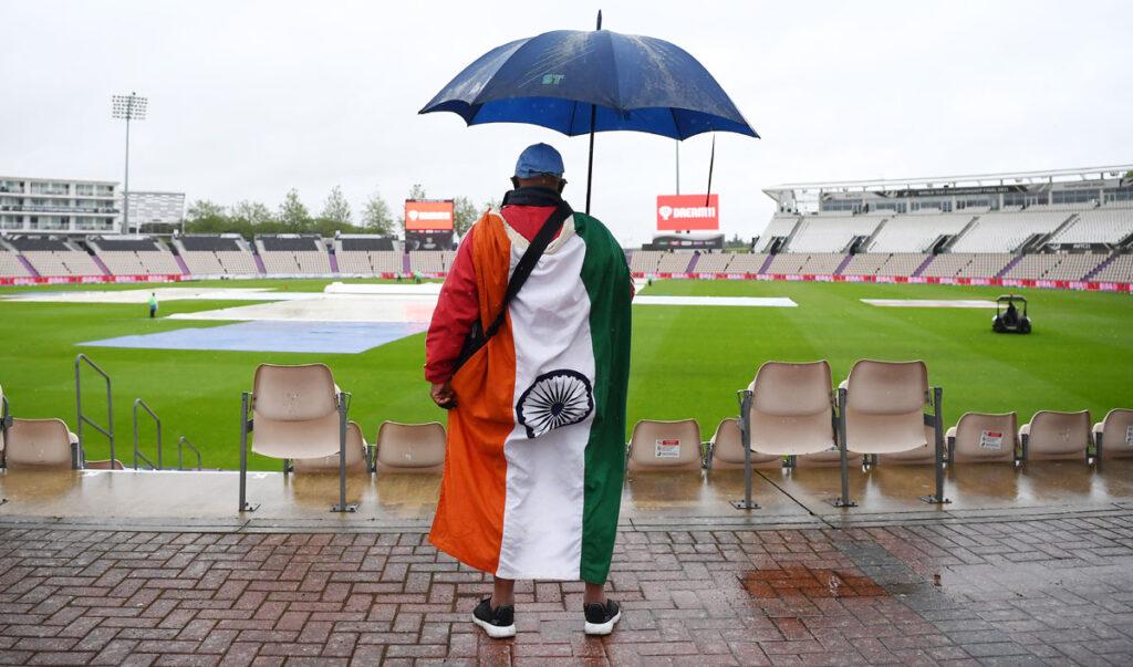 প্রথম দিনের খেলা ভেস্তে যাওয়াতে কি বললেন ভারতীয় ক্রিকেটারদের স্ত্রীরা, জেনে নিন 2