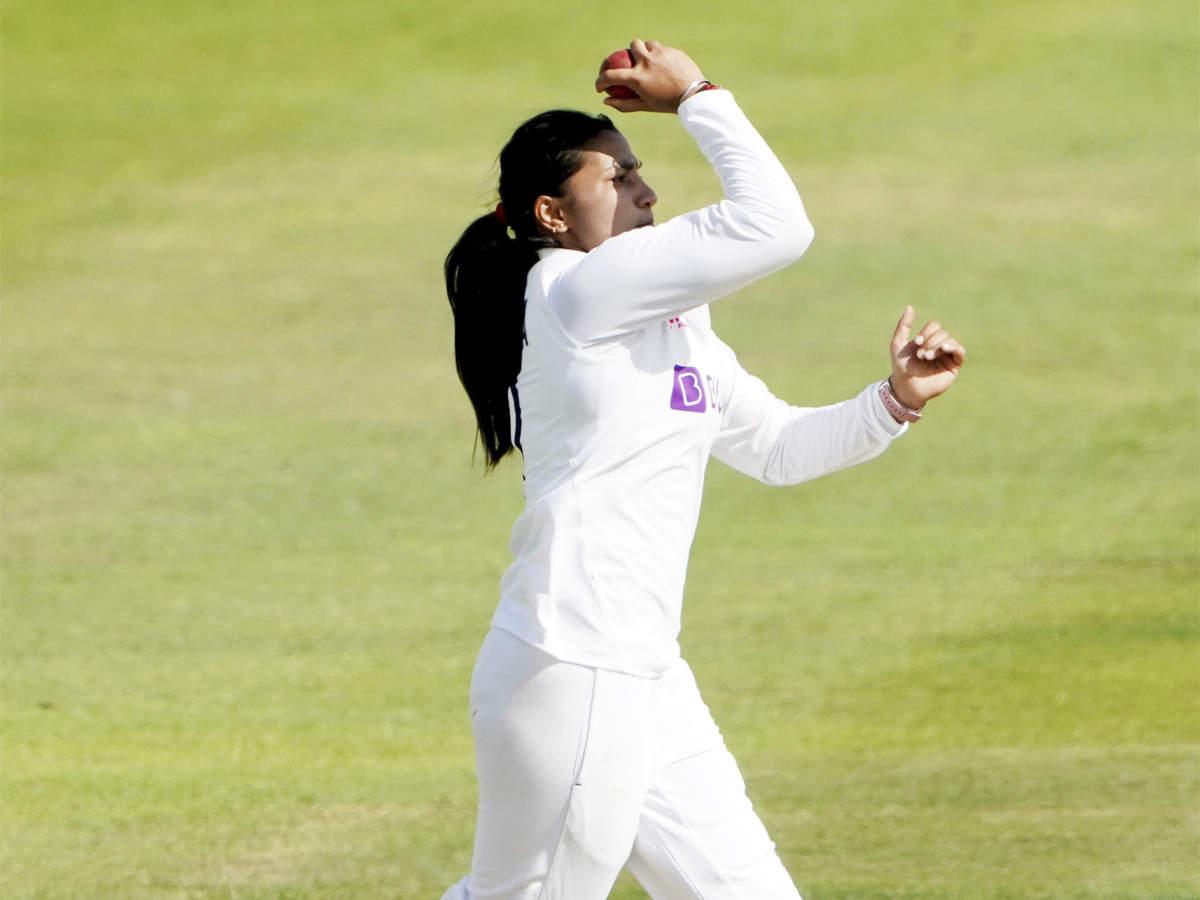 টেস্ট ম্যাচে ভারতকে বাঁচিয়ে ইতিহাস গড়লেন অভিষেক হওয়া স্নেহ রানা, প্রথম ক্রিকেটার হিসেবে গড়লেন এই নজির 2